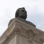 Statue de Pierre Larousse - Toucy