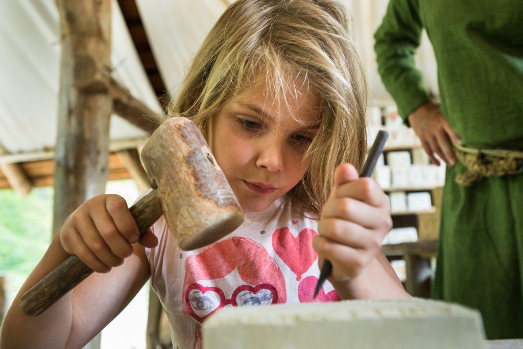 Atelier enfant à Guédelon