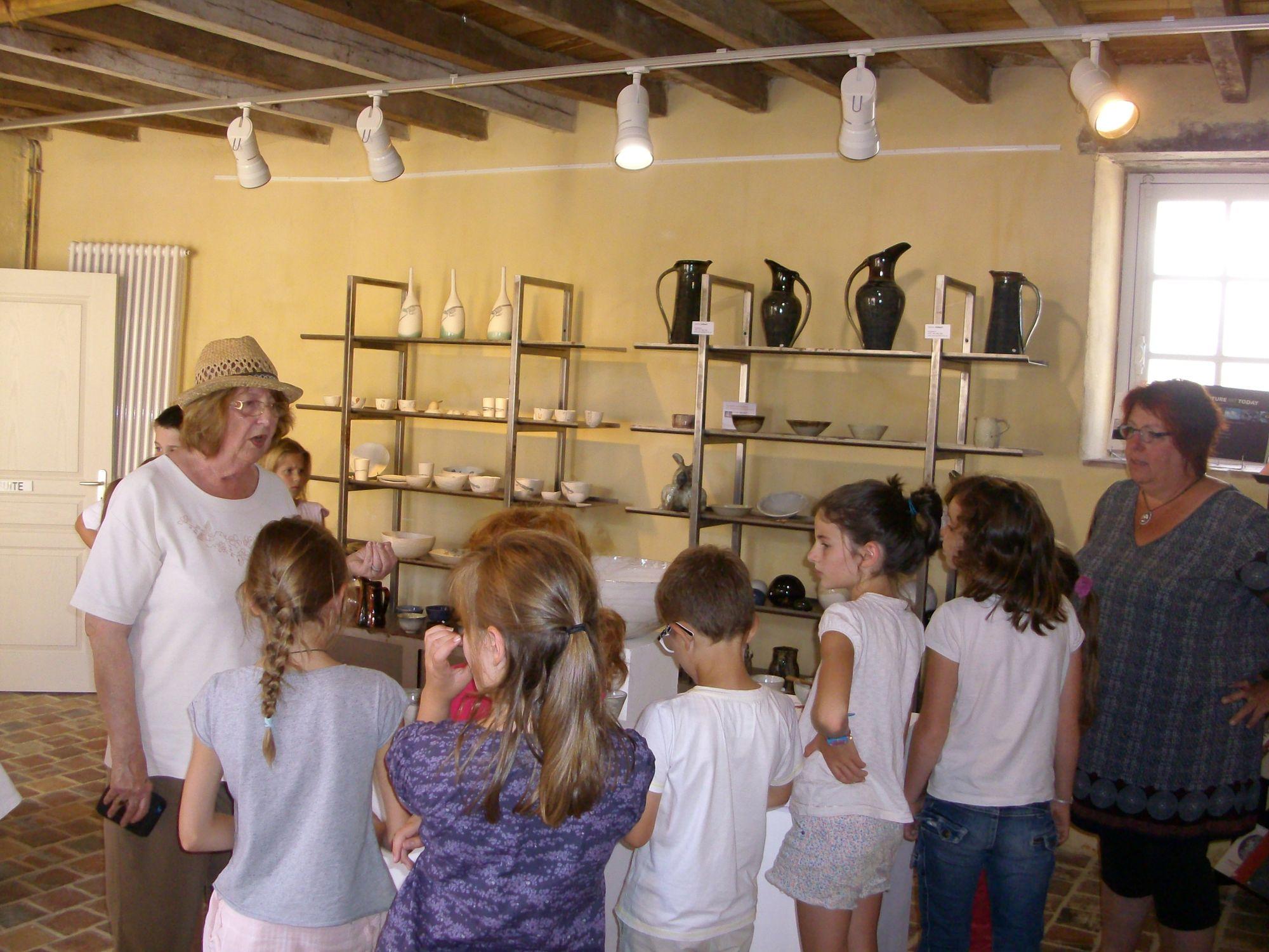 Activités scolaires au couvent de Treigny
