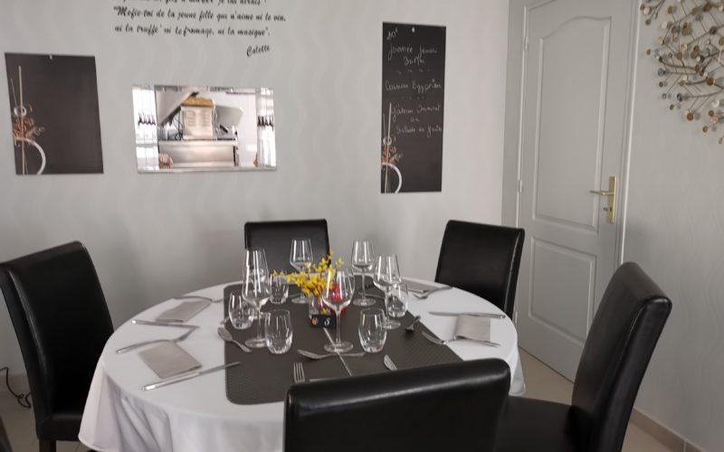Restaurant-A-Table—Saint-Sauveur-en-Puisaye-3
