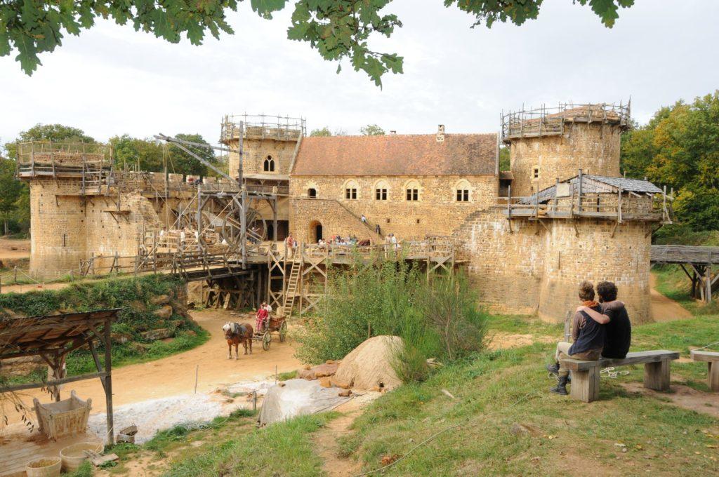 Château de Guédelon-vue-sud-du-château-2017