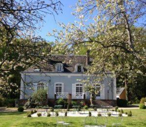 Hôtel les grands chênes à Saint-Fargeau