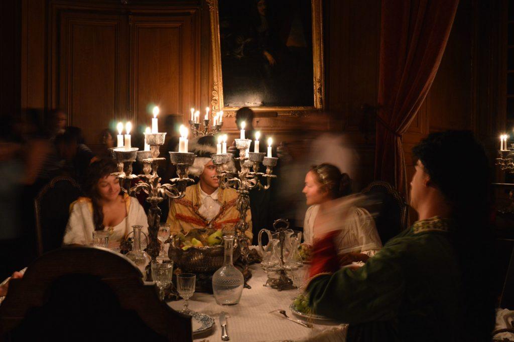 Les visites de nuit aux chandelles au château de Saint-Fargeau