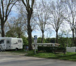 Aire de service et de stationnement à Rogny-les-sept-écluses