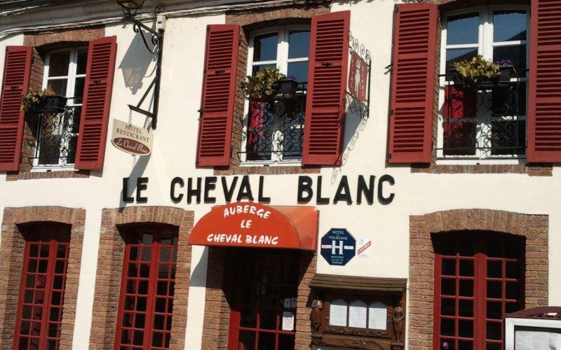 Hôtel-restaurant le cheval blanc à Charny
