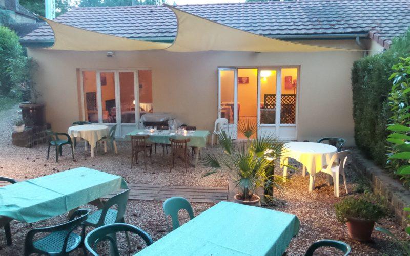 Hôtel-restaurant le relais de la chapelle à Pourrain