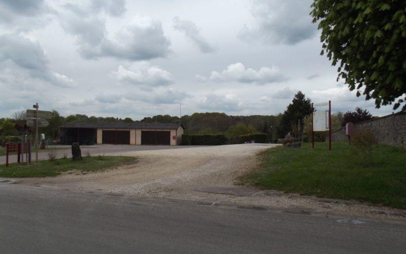 Aire de service et stationnement pour camping-cars à Treigny (1)