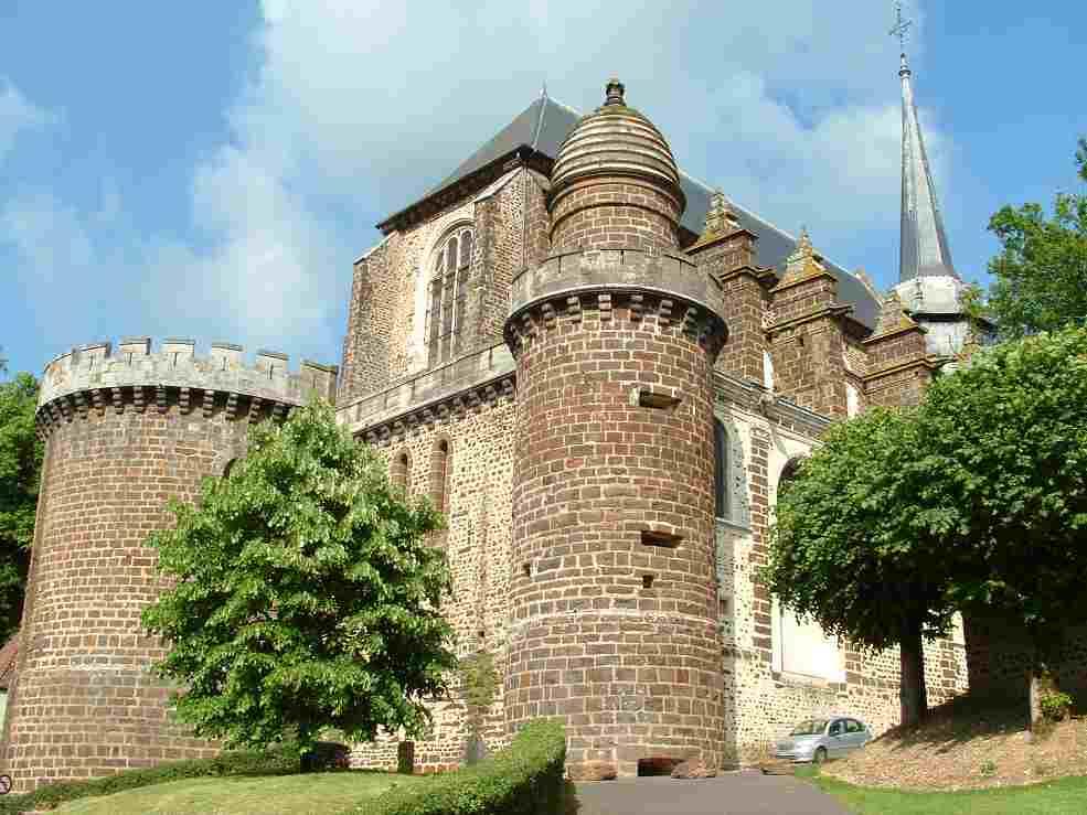 église fortifiée de Toucy