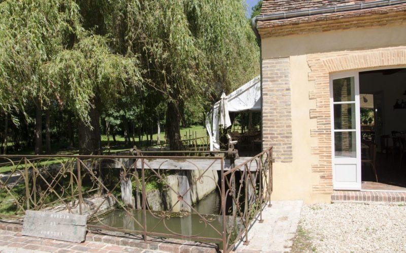 Chambres d'hôtes et restaurant le Moulin de Corneil à Mezilles (16)