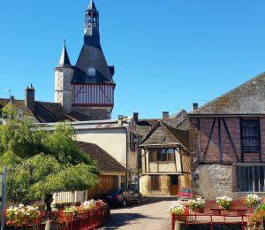 Village de saint-fargeau en Bourgogne tourisme