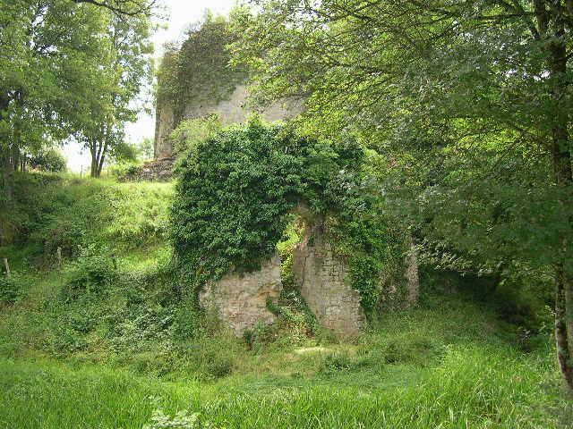 Donjon Saint Vérain
