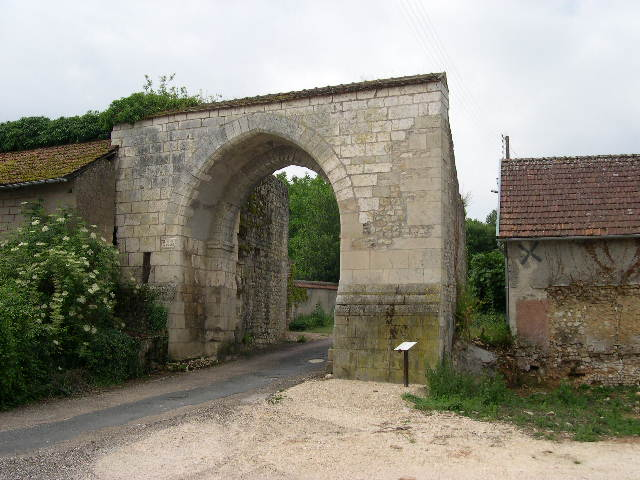 Porte de Cosne