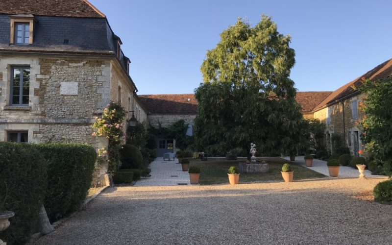 Chambre-dhotes-chateau-du-deffand-puisaye (3)