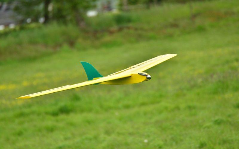 flight-model-3249480_960_720
