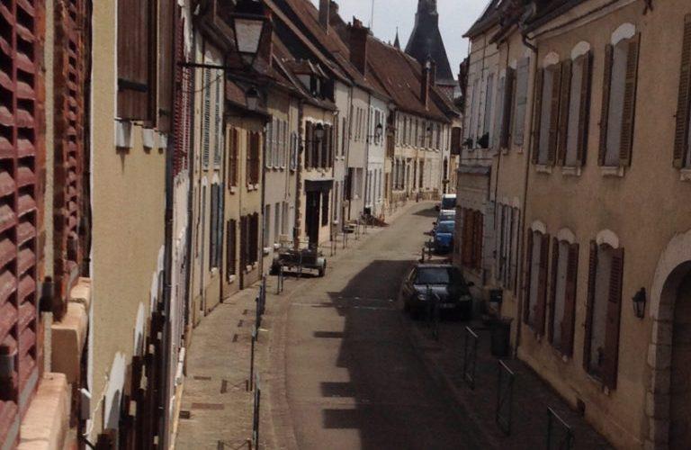 gite-rue-de-lapaix-saint-fargeau (1)