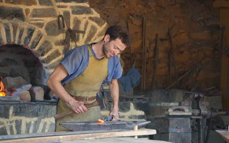 Guédeon, Dimitri à la forge