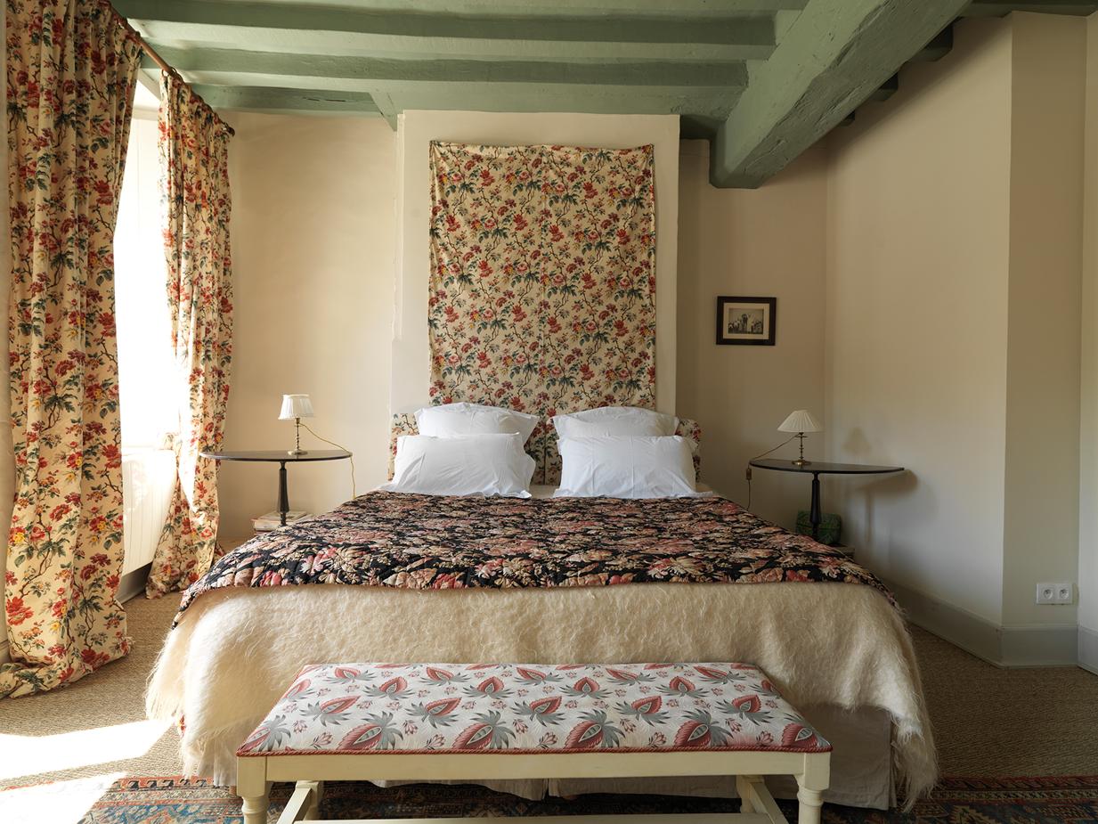 chambres d 39 h tes la maison jeanne d 39 arc saint fargeau. Black Bedroom Furniture Sets. Home Design Ideas