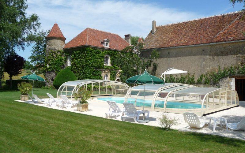 Piscine Château de Ribourdin