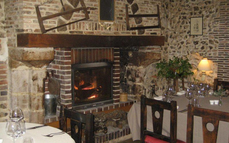 hotel-le-cheval-blanc-restaurant-charny-806212