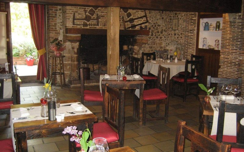 hotel-le-cheval-blanc-restaurant-charny-971747